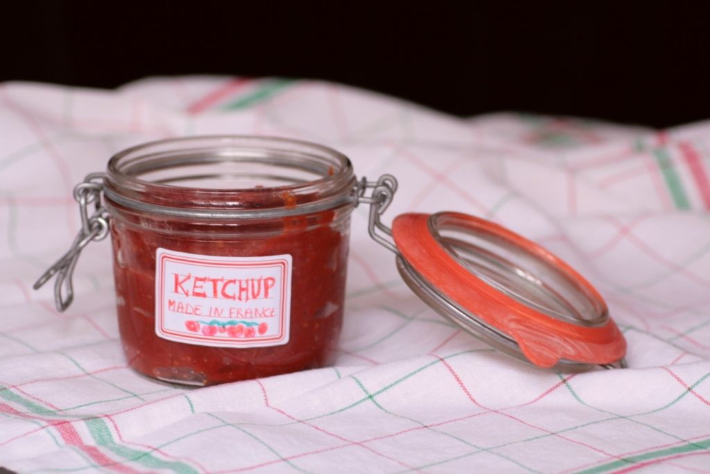 ketchup made in france chocolat et vieilles dentelles. Black Bedroom Furniture Sets. Home Design Ideas