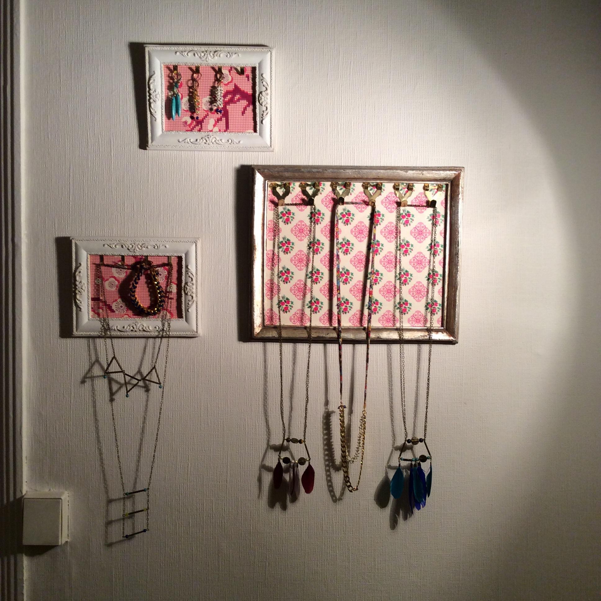 ide porte bijoux affordable porte bijoux cadre dressing bracelet collier et accessoire cuivre. Black Bedroom Furniture Sets. Home Design Ideas
