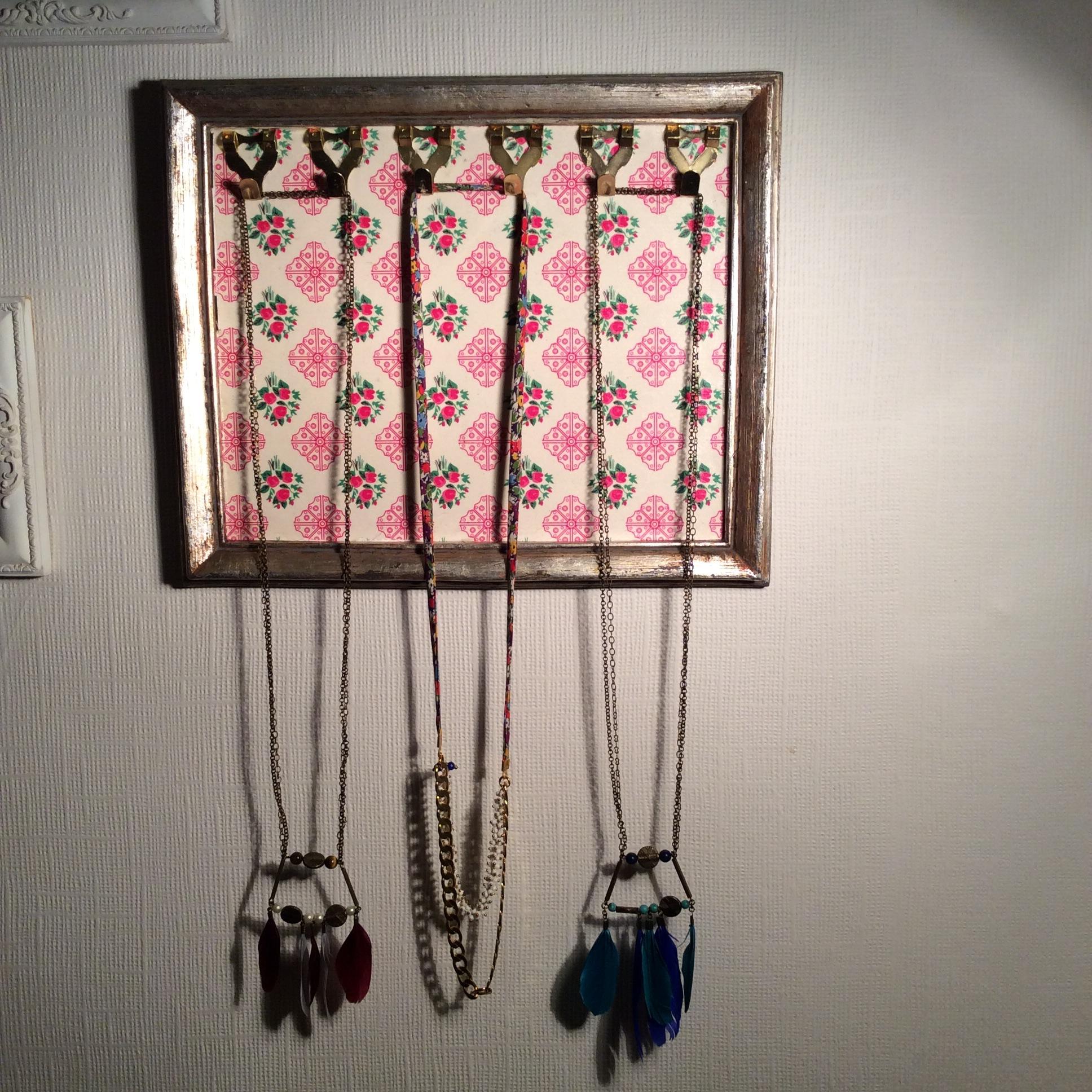 diy cadres porte bijoux chocolat et vieilles dentelles. Black Bedroom Furniture Sets. Home Design Ideas