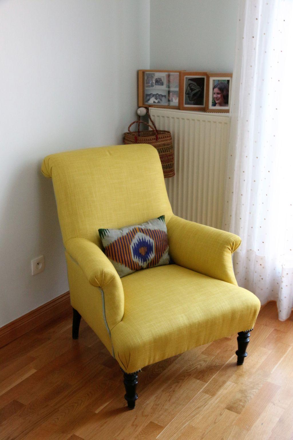 fauteuil jaune retapiss chocolat et vieilles dentelles. Black Bedroom Furniture Sets. Home Design Ideas